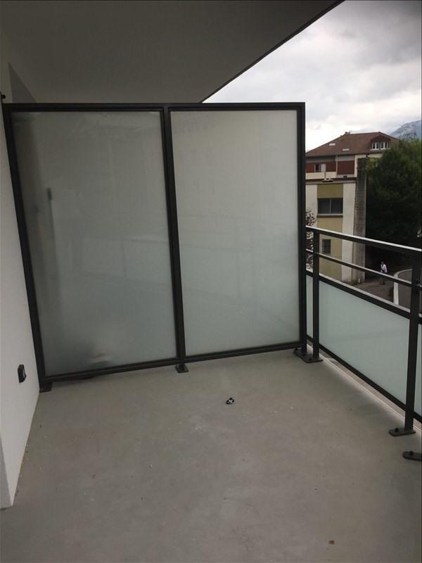 Locação apartamento Voiron 647€ CC - Fotografia 5
