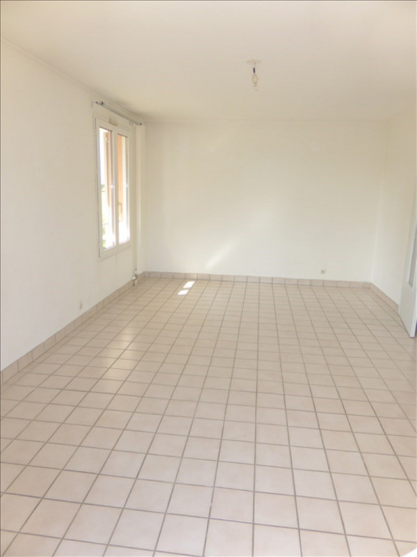 Location appartement Prevessin-moens 1037€ CC - Photo 2