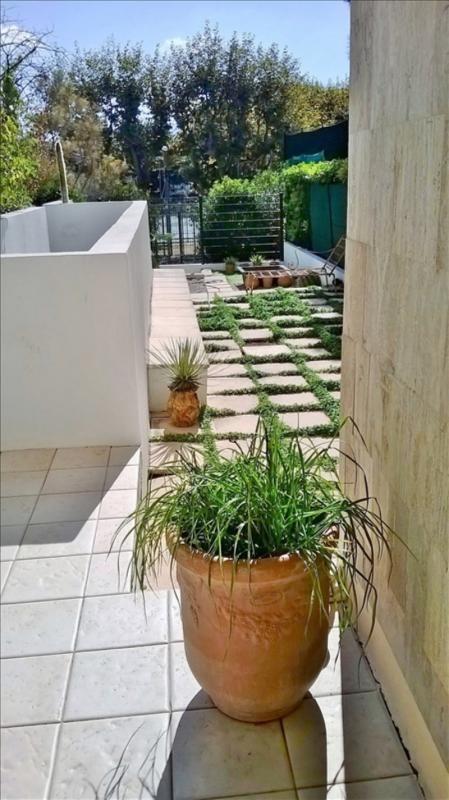 Sale apartment Marseille 8ème 384000€ - Picture 2