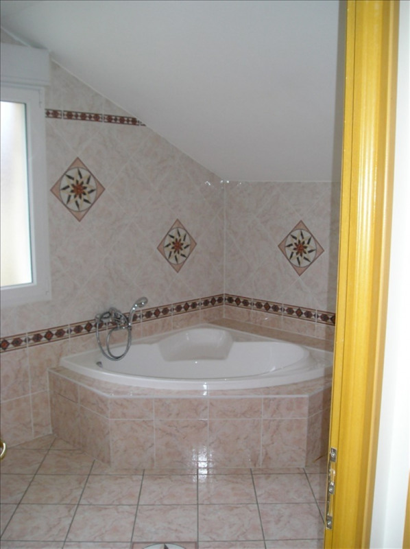 Location maison / villa Sergy 2 700€ CC - Photo 5