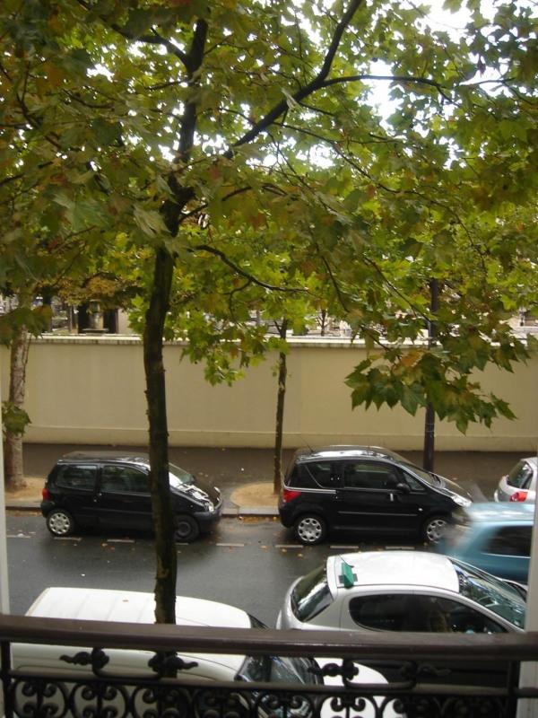 Rental apartment Paris 15ème 1075€ CC - Picture 1