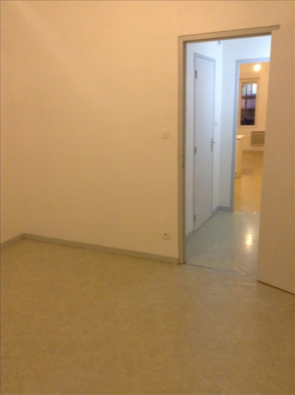 Rental apartment St quentin 456€ CC - Picture 4