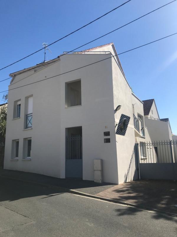 Rental apartment La ville du bois 690€ CC - Picture 2