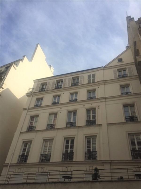 Rental apartment Paris 9ème 2750€ CC - Picture 1