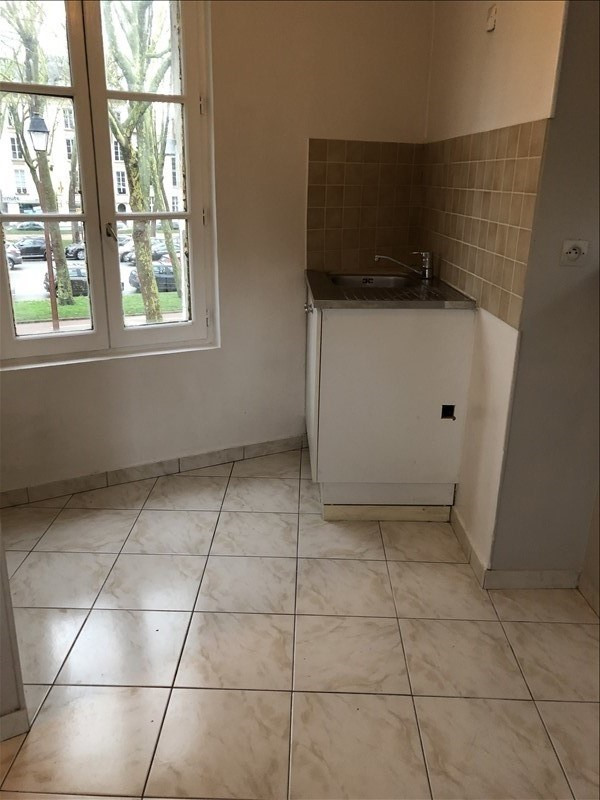 Location appartement Versailles 640€ CC - Photo 3