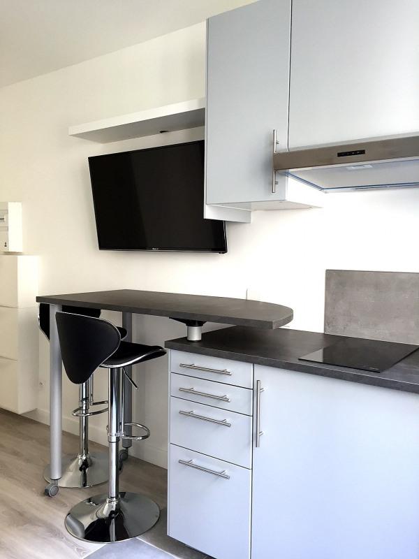 Location appartement Paris 16ème 775€ CC - Photo 2