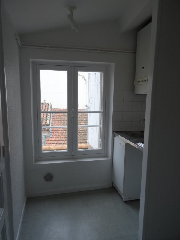 Rental apartment Agen 330€ CC - Picture 1