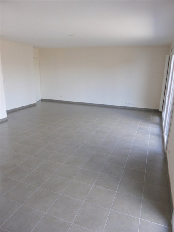 Location appartement Thoiry 2000€ CC - Photo 6