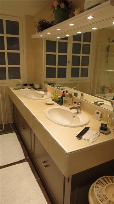 Sale house / villa St romain la motte 329000€ - Picture 10