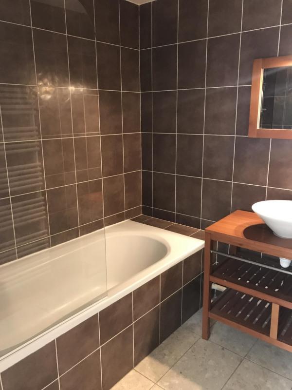 Location appartement Paris 8ème 2270€ CC - Photo 3
