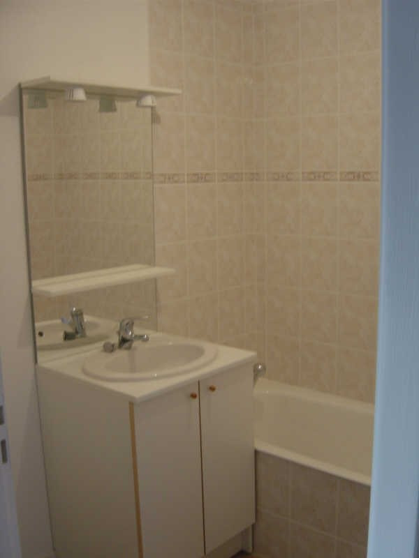 Location appartement Sallanches 615€ CC - Photo 2