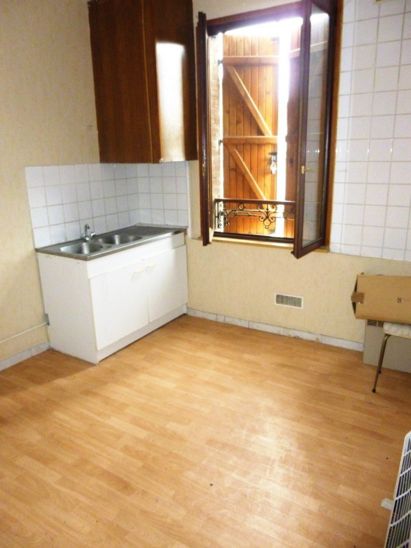 Investment property building Cires les mello 295000€ - Picture 2