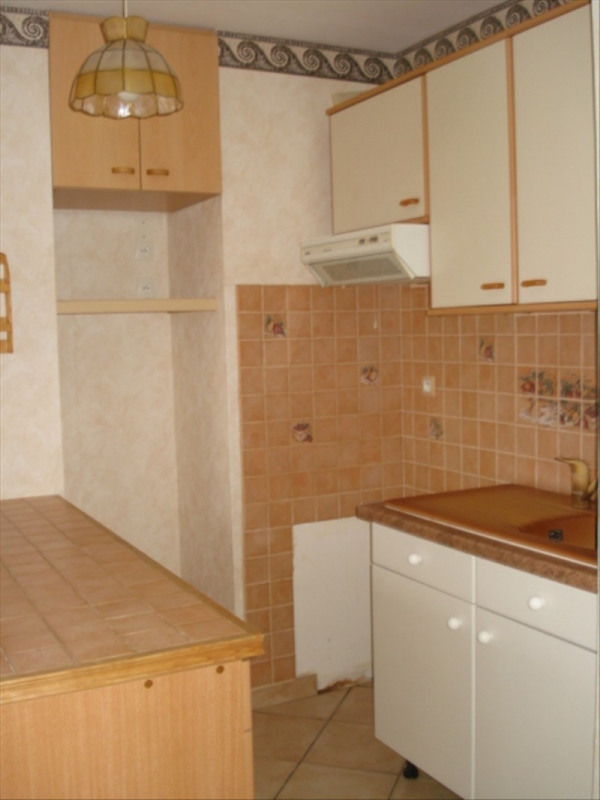 Sale apartment Carrieres sous poissy 130000€ - Picture 1