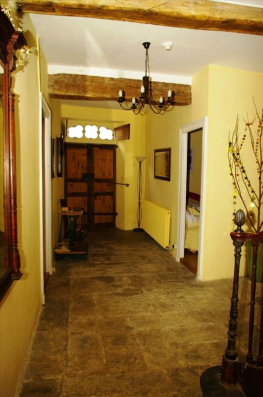 Sale house / villa Louvie juzon 395000€ - Picture 2