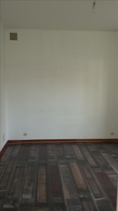 Locação apartamento Fresnes sur marne 450€ CC - Fotografia 3