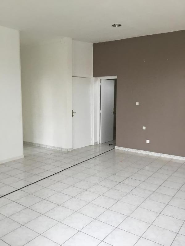 Location local commercial Roclincourt 625€ HT/HC - Photo 2