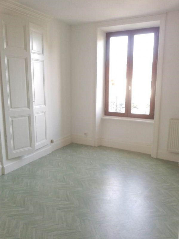 Location maison / villa Pélussin 720€ CC - Photo 7