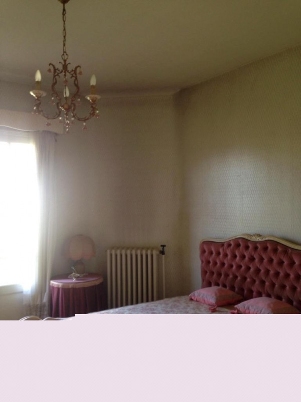 Sale house / villa Mouleydier 90175€ - Picture 5