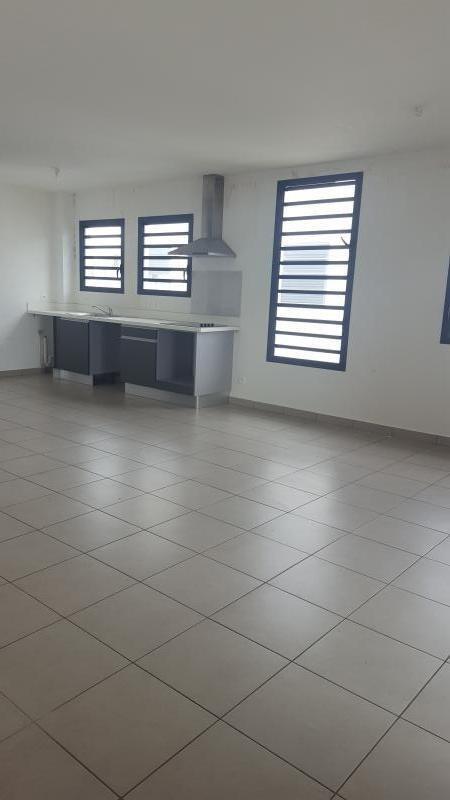 Rental apartment St paul 820€ CC - Picture 2