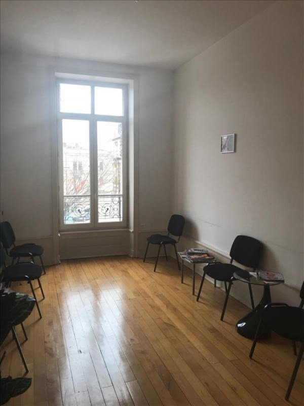 Rental empty room/storage Roanne 605€ +CH/ HT - Picture 4