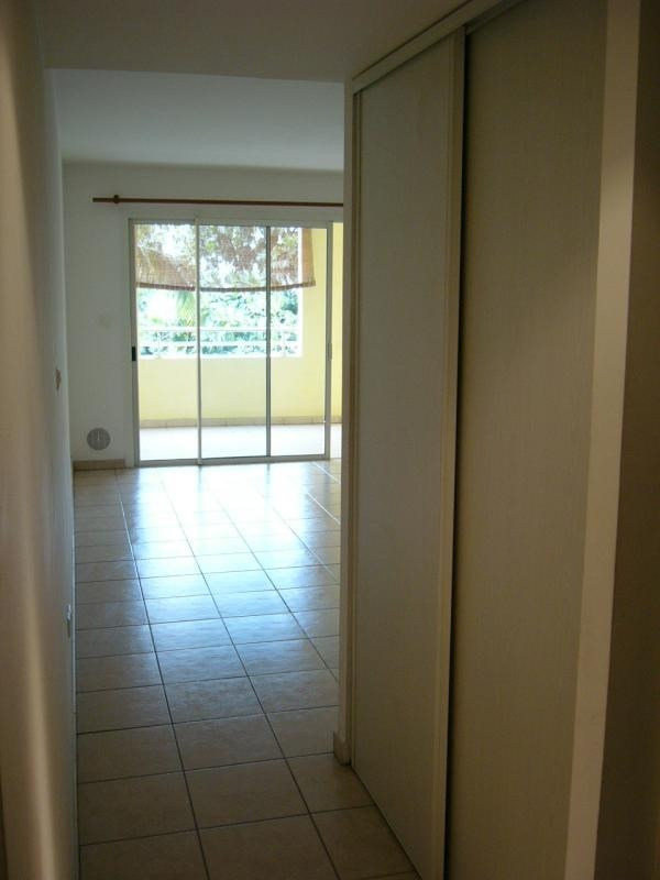 Rental apartment St denis 396€ CC - Picture 3