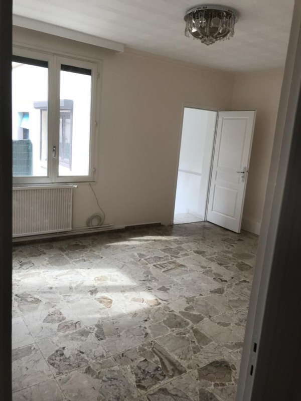 Location maison / villa Pierre benite 950€ CC - Photo 8