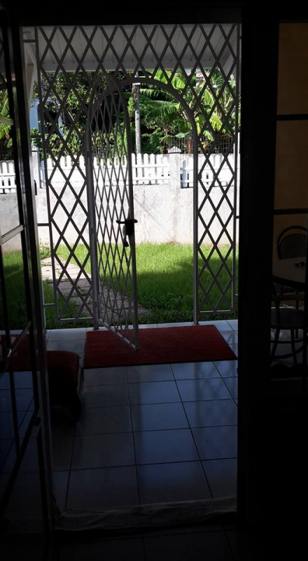 Investment property house / villa St claude 288 750€ - Picture 1
