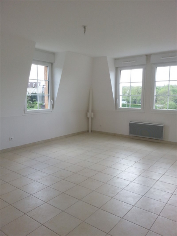 Location appartement Falaise 661€ CC - Photo 1