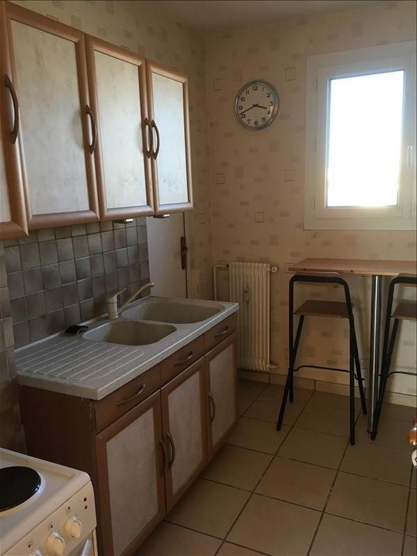 Rental apartment Salon de provence 650€ CC - Picture 2