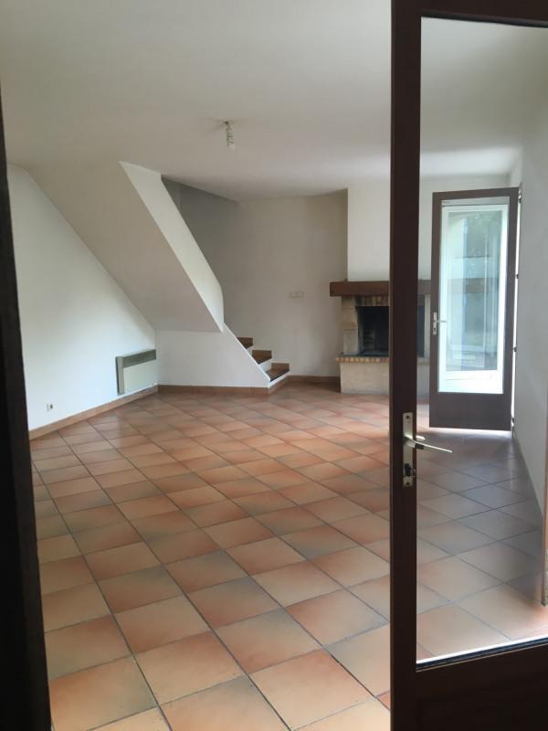 Location maison / villa Roquevaire 1350€ +CH - Photo 2