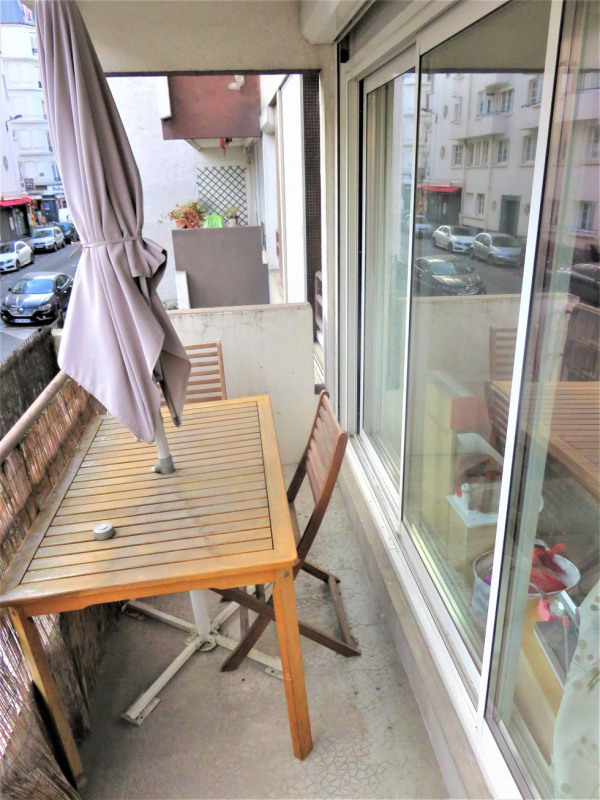 Sale apartment Paris 18ème 365 000€ - Picture 1