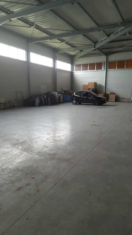 Location Local d'activités / Entrepôt Aubergenville 0
