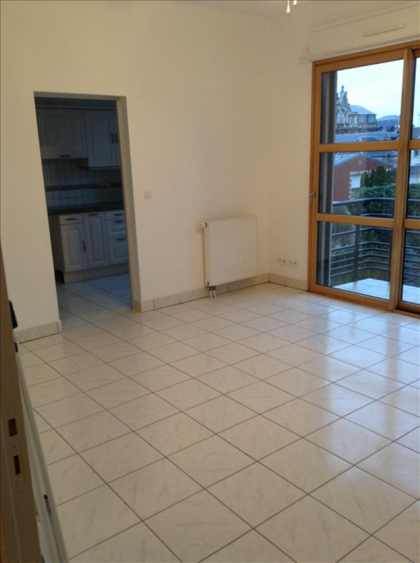 Rental apartment St quentin 660€ CC - Picture 2