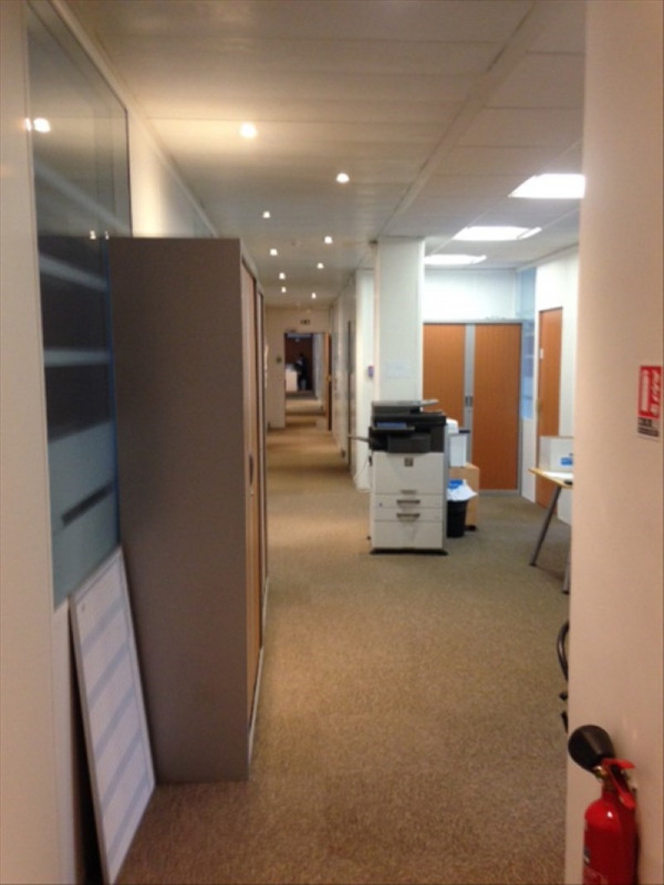 Location bureau Montrouge 9 792€ HT/HC - Photo 4