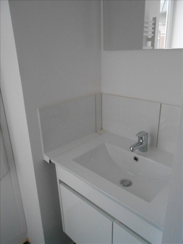 Rental apartment St quentin 400€ CC - Picture 3