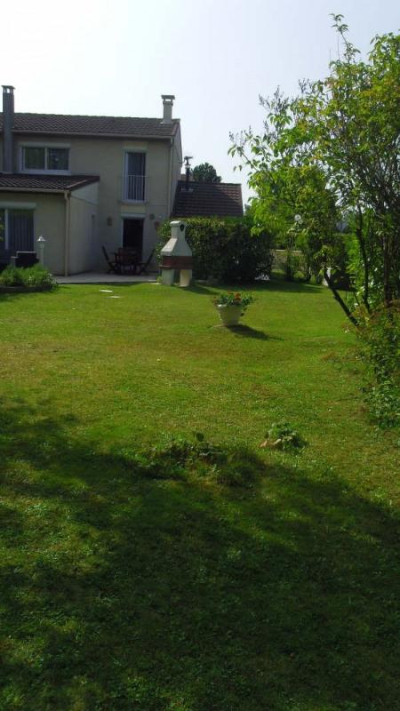 Sale house / villa Lesigny 285000€ - Picture 1