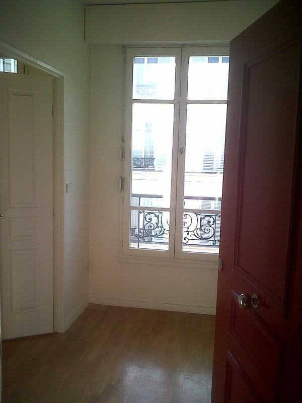 Rental apartment Paris 14ème 1275€ CC - Picture 1