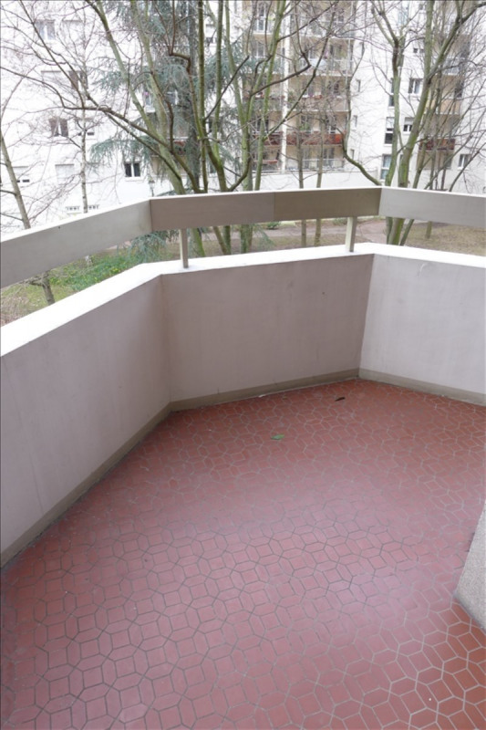 Rental apartment Courbevoie 870€ CC - Picture 5