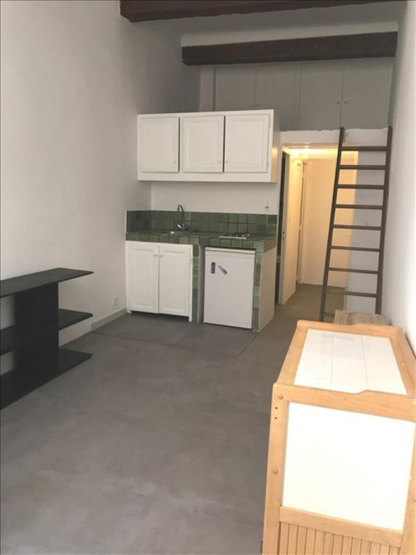 Rental apartment Aix en provence 550€ CC - Picture 1