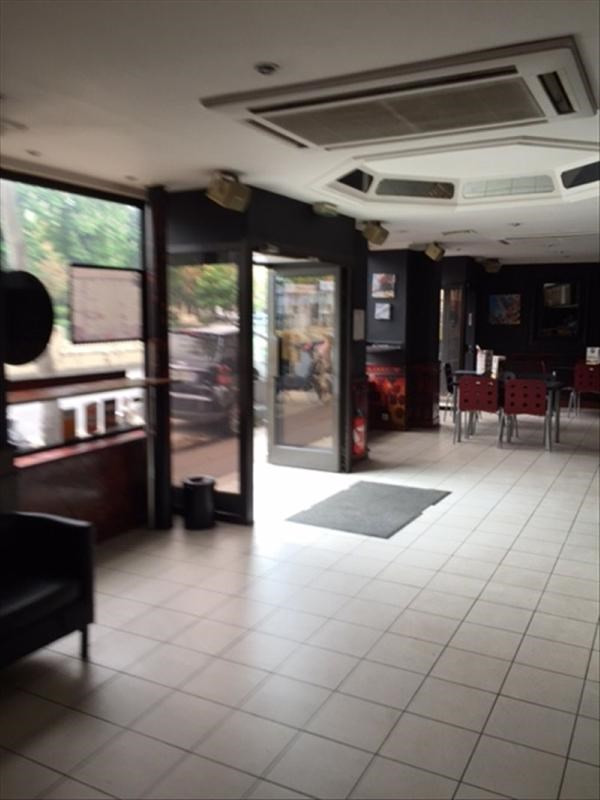 Commercial property sale shop Rueil malmaison 85 000€ - Picture 1