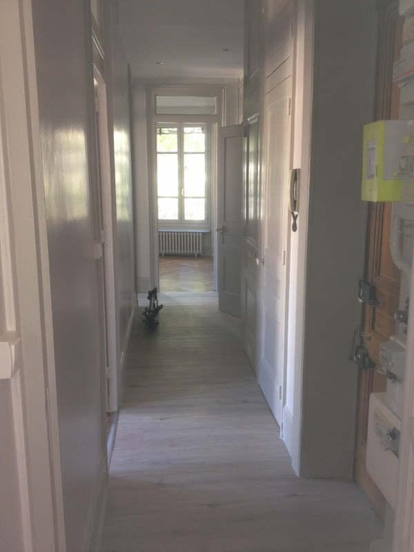 Location appartement Lyon 6ème 915€ CC - Photo 3