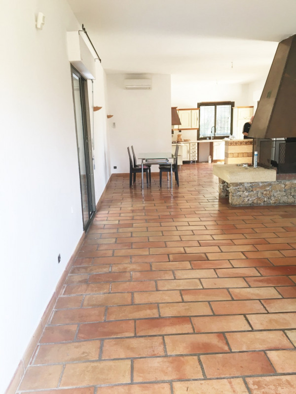 Location maison / villa Aubagne 2 700€ CC - Photo 3