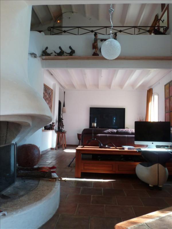 Deluxe sale house / villa Rousset 749000€ - Picture 2