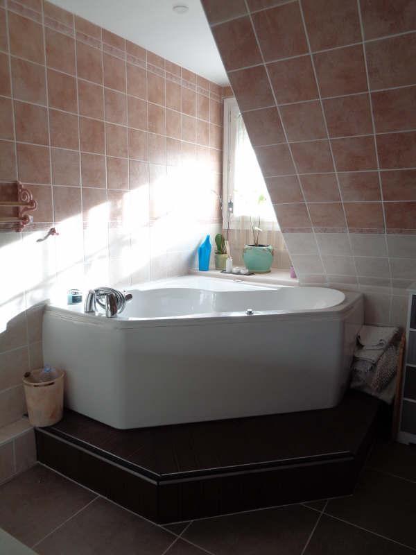 Sale house / villa Lesigny 380000€ - Picture 7