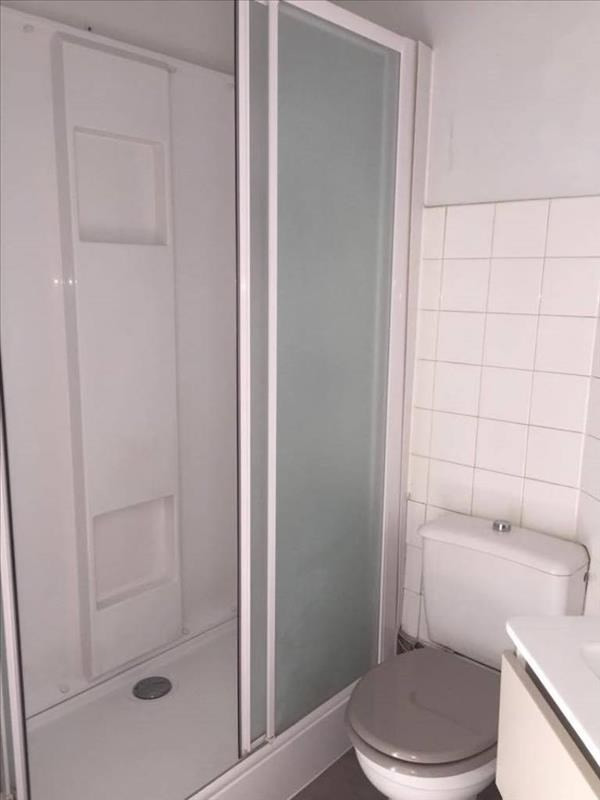 Location appartement Roanne 280€ CC - Photo 2
