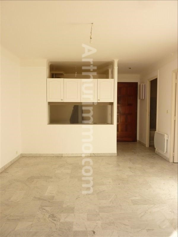Rental apartment St aygulf 602€ CC - Picture 2