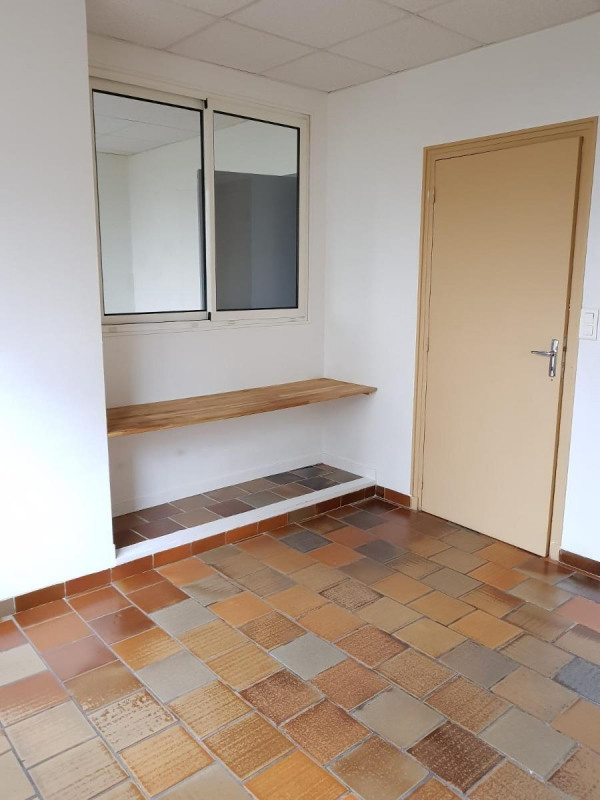 Location bureau Grenoble 575€ CC - Photo 4