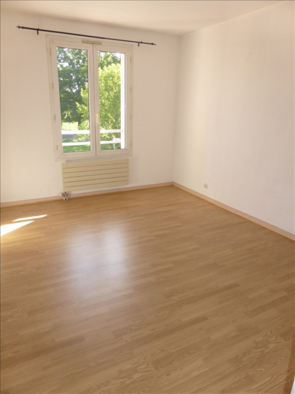 Location appartement Prevessin-moens 1045€ CC - Photo 4