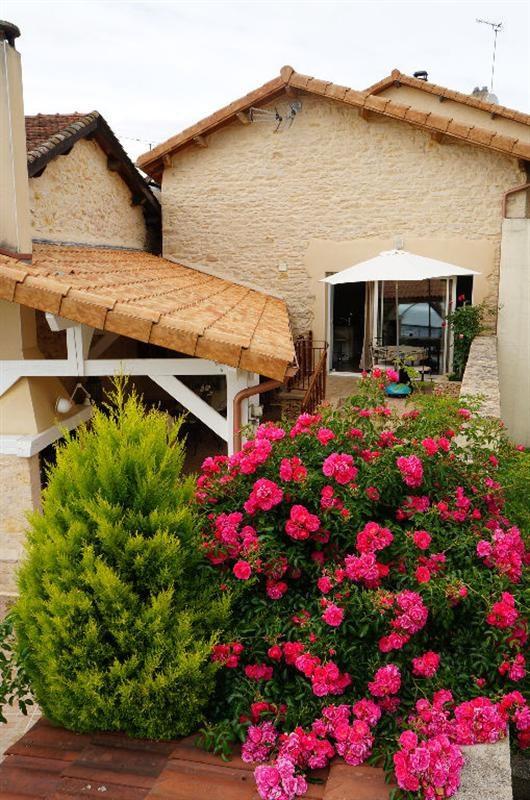 Sale house / villa L isle d abeau 347000€ - Picture 3