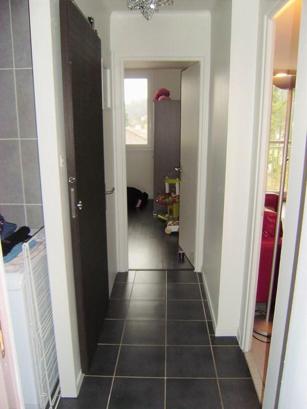 Sale apartment Charbonnieres les bains 185000€ - Picture 4